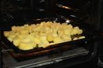 Auf einem Backblech im Ofen bei 60 Grad ausdampfen lassen.